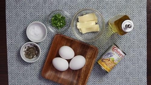 tuna cheese omelette
