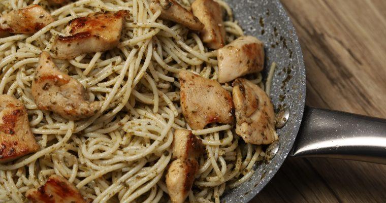 Easy Chicken Pesto Pasta (Chicken Pasta Recipe)
