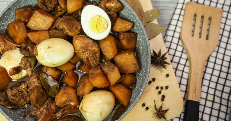 Adobong Manok (Chicken Adobo ) – Filipino Food