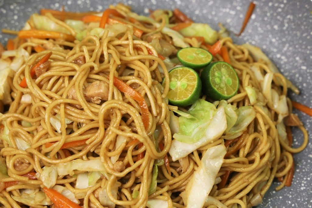 Chicken stir fry egg noodles