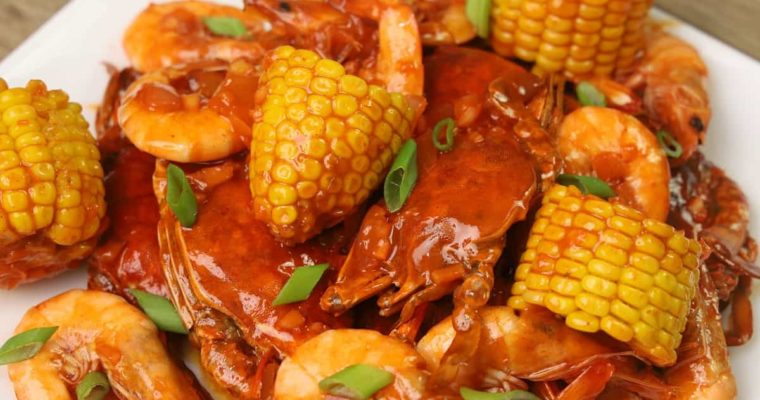 Spicy Seafood Recipe (Shrimp and Crabs)